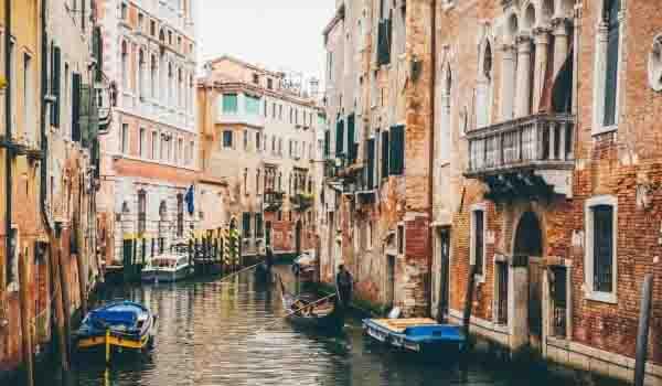 イタリア|ベネツィアの運河